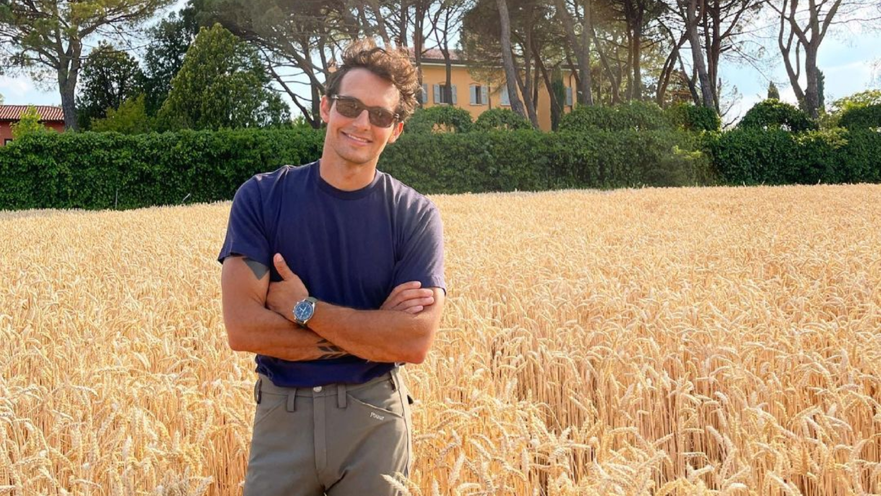Riccardo Pozzoli con camiseta / Foto: @riccardopozzoli