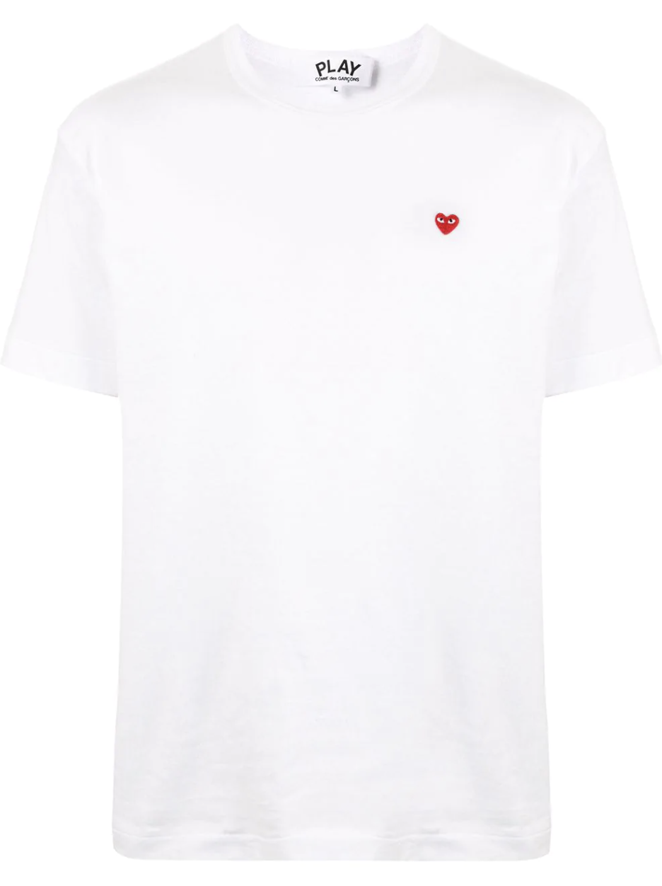 Camiseta de Comme des Garçons Play / Foto: Farfetch