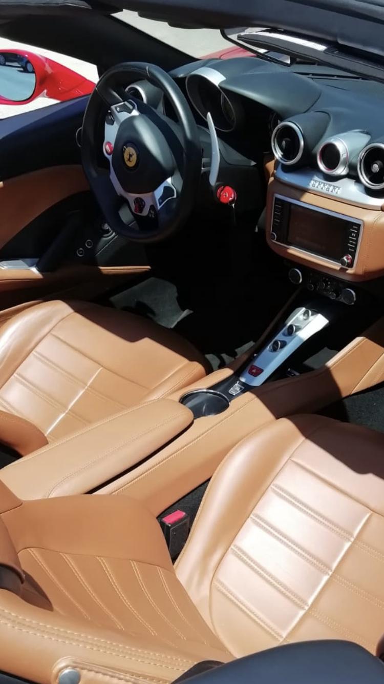 Interior Ferrari California T