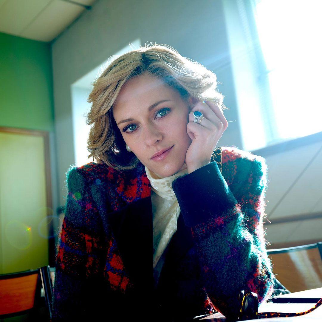 Kristen Stewart encarnando a Lady Di en la película Spencer