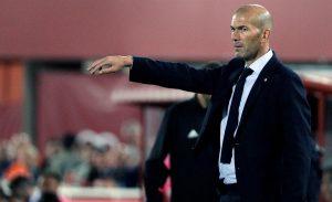 Zidane, ante el Mallorca (EFE).