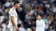 Jovic se lamenta en un partido del Madrid. (AFP)
