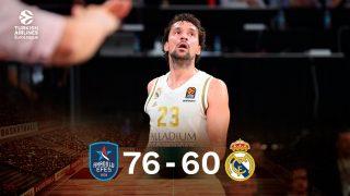 Llull, máximo anotador del Madrid con 14 puntos, se desespera durante el partido.