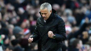 José Mourinho celebra un gol en la banda. (Getty)
