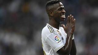 Vinicius se lamenta tras una ocasión. (AFP)