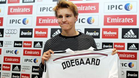 Odegaard,-el-día-de-su-llegada-al-Real-Madrid-en-2015-(Getty)