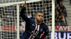 Mbappé celebra un gol con el PSG. (AFP)