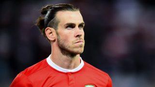 Bale durante un partido con Gales. (AFP)