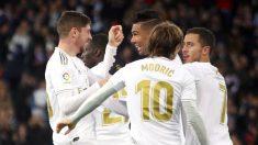 Los jugadores del Real Madrid celebran el gol de Fede Valverde a la Real Sociedad. (Enrique Falcón)
