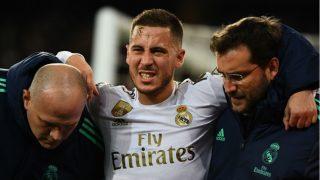 Hazard se retira lesionado del Bernabéu en el Real Madrid-PSG. (AFP)