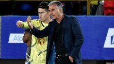 James Rodríguez y Carlos Queiroz durante un partido con Colombia. (Getty)