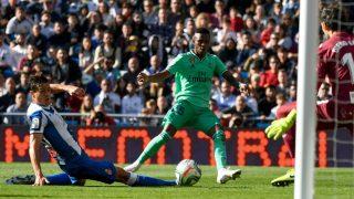 Vinicius, durante un partido. (AFP)