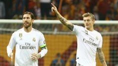 Sergio Ramos y Toni Kroos, en un partido. (AFP)