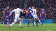 Lenglet hizo penalti a Varane. (captura)