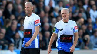 Deschamps y Zidane durante un partido benéfico en Francia. (AFP)