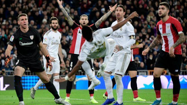 El Real Madrid se deja la Liga en casa