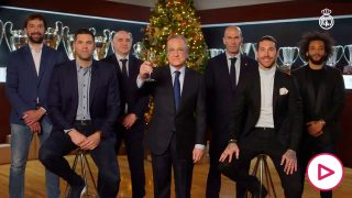 Las cabezas visibles del Real Madrid celebran la Navidad con los aficionados.