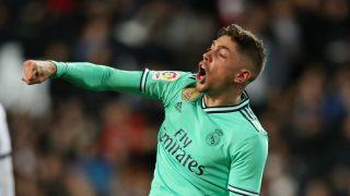 Fede Valverde celebra el empate del Real Madrid ante el Valencia (Getty).