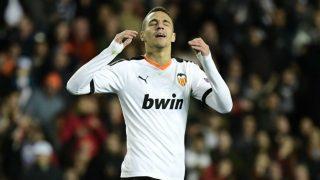 Rodrigo Moreno se lamenta de una acción esta temporada. (AFP)