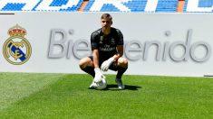 Lunin, en su presentación con el Real Madrid. (AFP)