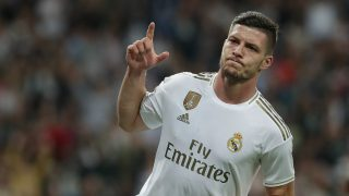 Luka Jovic celebra un gol con el Real Madrid.