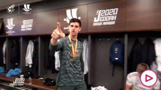 Así celebró el Real Madrid la Supercopa en el vestuario.