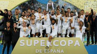 Los jugadores del Real Madrid celebran la Supercopa. (Getty)