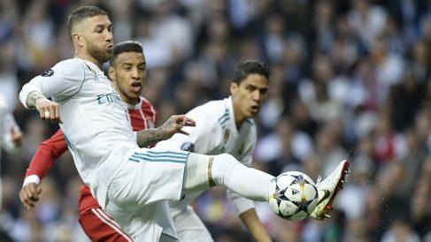 Varane admira a Sergio Ramos. (AFP)