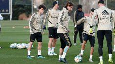Sergio Ramos se entrena con el resto de sus compañeros. (Realmadrid.com)