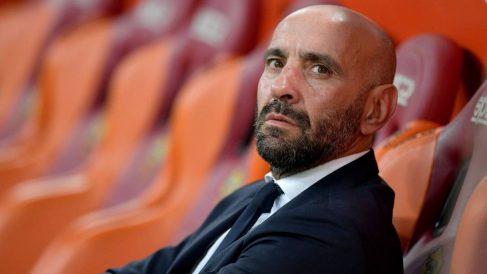 Monchi se enfadó con el VAR en el Bernabéu.