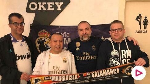 Algunos de los miembros de la Peña Madridista de Salamanca.