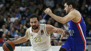 Llull, en el partido contra Anadolu Efes. (EFE)