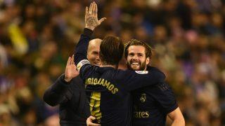 Sergio Ramos, Nacho y Zidane celebran el gol del Real Madrid ante el Valladolid. (Getty)