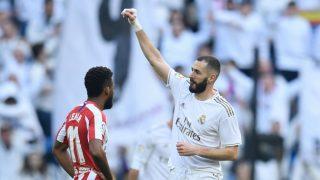 Benzema celebra su gol al Atlético de Madrid en el derbi. (AFP)