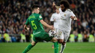Marcelo intenta superar a un rival durante el Real Madrid – Real Sociedad de la Copa del Rey. (AFP)
