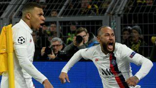 Neymar y Mbappé celebran un gol del PSG (AFP).