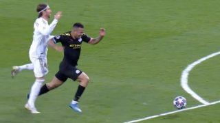 Sergio Ramos fue expulsado tras una entrada sobre Gabriel Jesús.