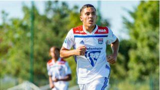 Rayan Cherki, durante un partido con el Olympique de Lyon. (@OL)