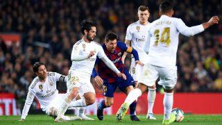 Una imagen del último Clásico que enfrentó al Real Madrid y al Barcelona. (Getty)