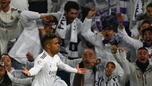 Mariano celebra su gol ante el Barcelona. (Getty)
