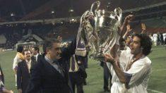 Lorenzo y Fernando Sanz, levantando la Séptima con el Real Madrid.