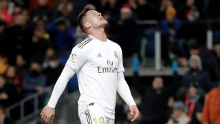 Luka Jovic, lamentándose en un partido con el Real Madrid. (Getty)