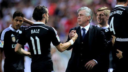 Ancelotti choca a Bale en un partido con el Real Madrid. (Getty)