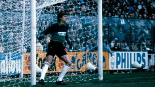 Agustín Rodríguez durante un partido con el Real Madrid en los 80′. (realmadrid.com)