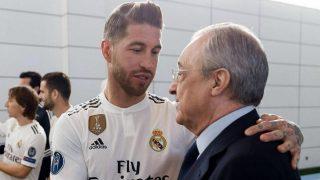Sergio Ramos junto al presidente Florentino Pérez (realmadrid.com)