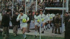 Los jugadores del Real Madrid saltan al césped del Rico Pérez. (As)