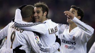 Helguera y Ronaldo durante su etapa en el Real Madrid. (Getty)