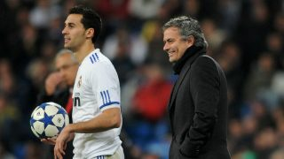 Arbeloa, junto a José Mourinho. (Getty)