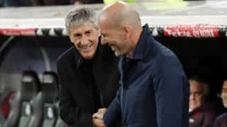 Zidane y Setién, durante el último Clásico, disputado en el Santiago Bernabéu (Getty).