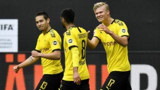 Haaland celebra un gol junto a sus compañeros. (AFP)